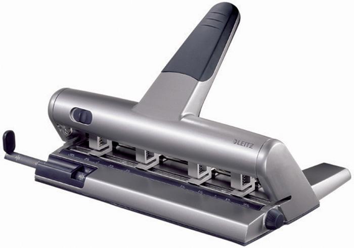 Kancelářský děrovač Leitz Akto - stříbrná